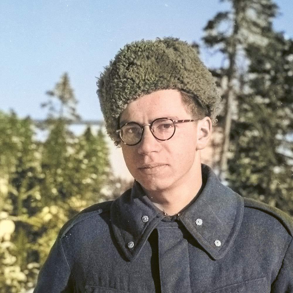 Joukkueenjohtaja Osmo Rasilo Ontajärvellä 20.2.1942.